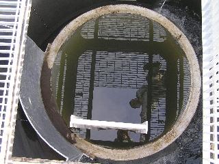 軽石円筒分水工内部